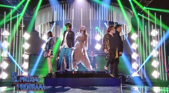 Mónica Naranjo canta con los finalistas un mix de sus grandes éxitos-Levántate