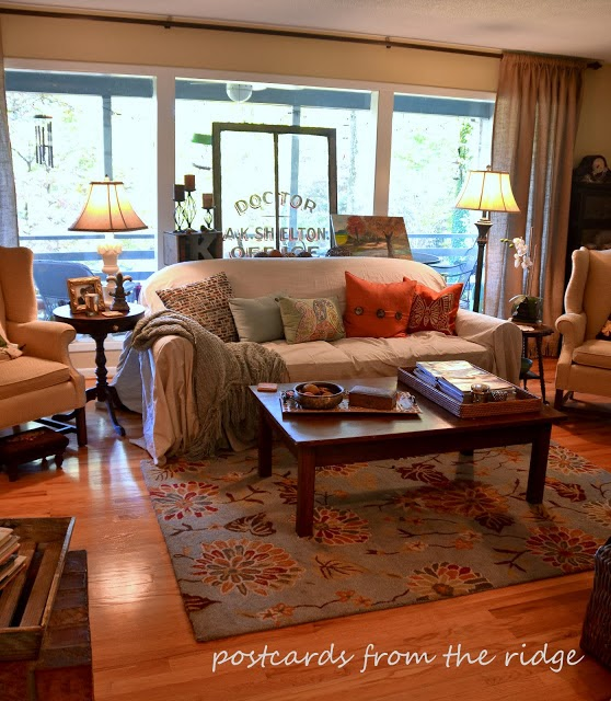 1960 39 s updated ranch style home tour debbiedoos for Ranch style living room
