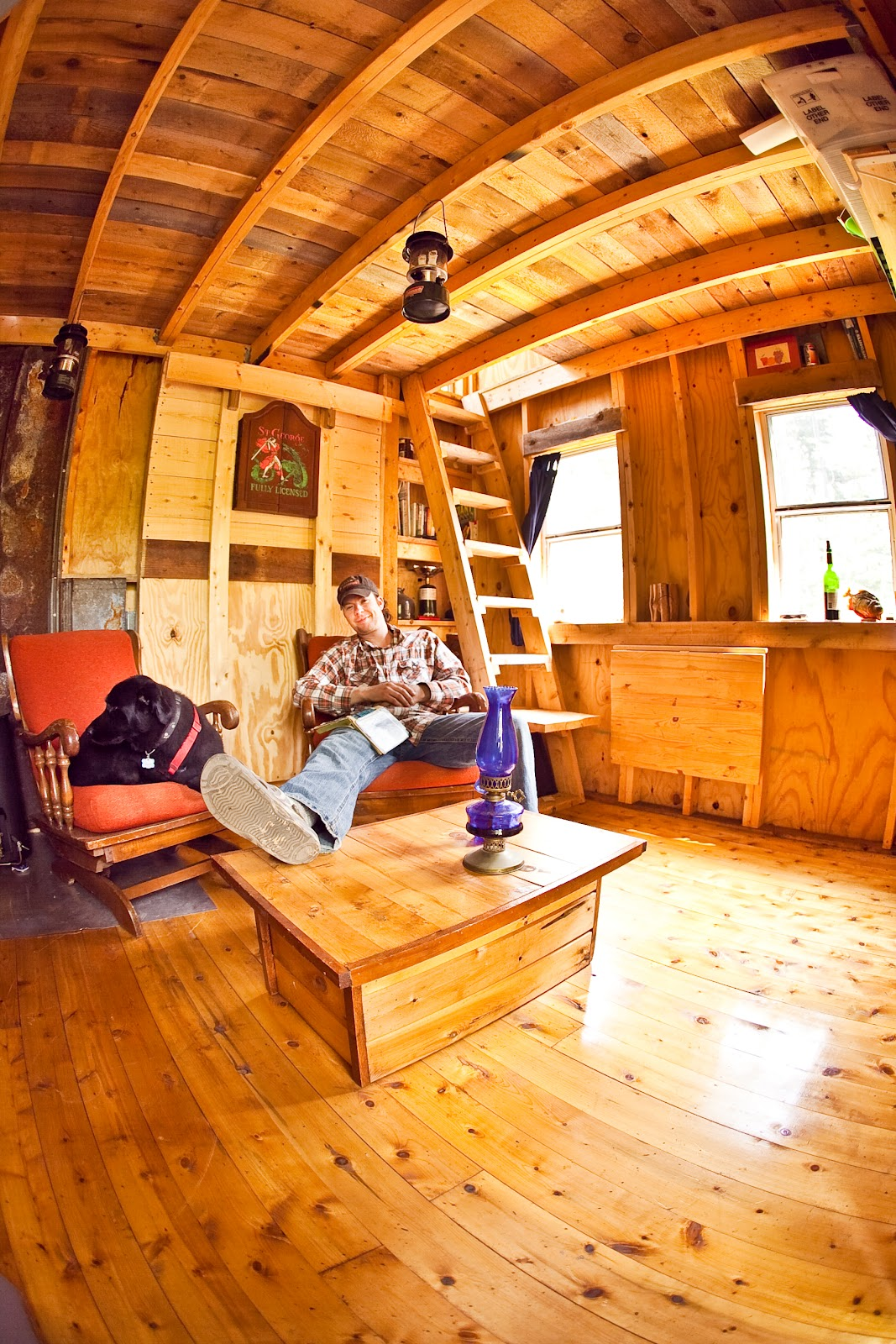 Twelve damn fabulous tiny house cabin for Small cabin interiors photos
