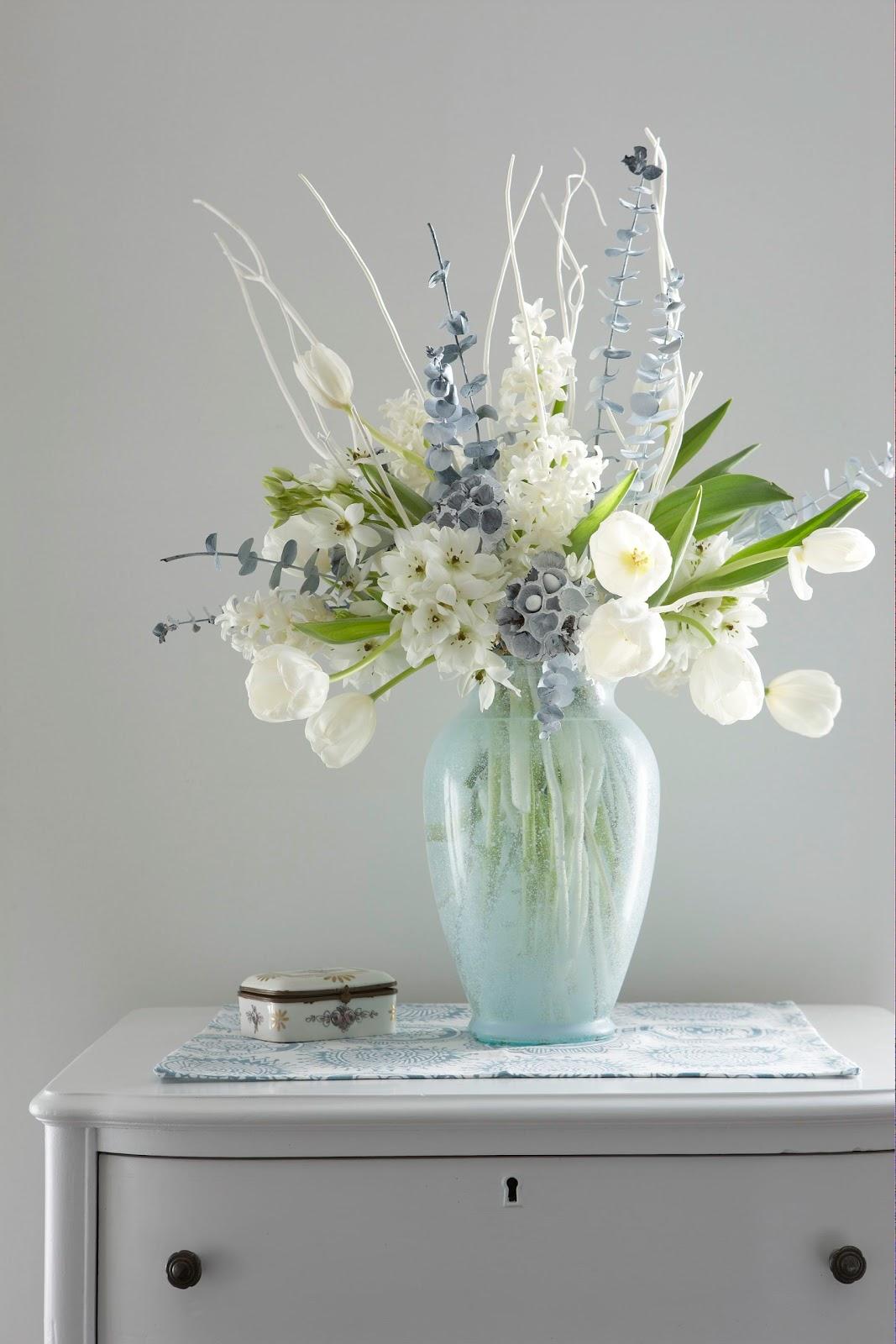 Karin lidbeck styling a winter white floral arrangement