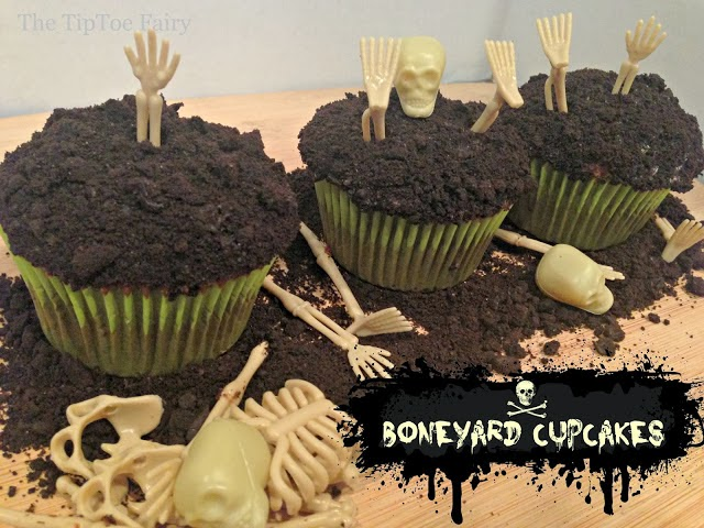 Halloween skeleton cupcakes