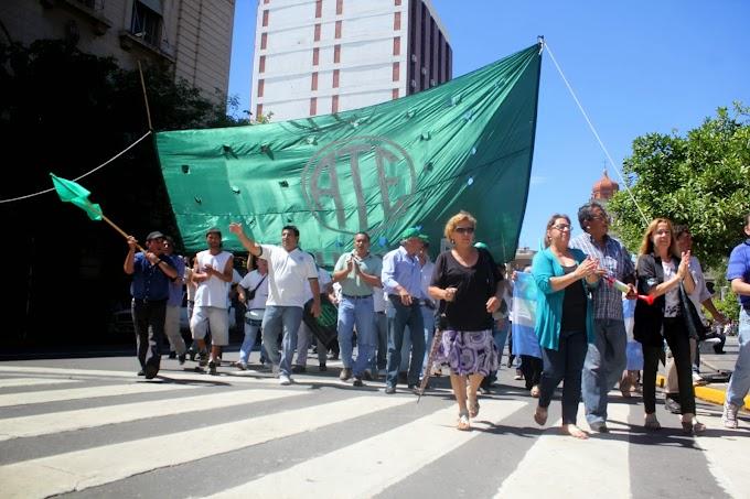ATE-CTA se expresó en las calles de Tucumán por mejora salarial