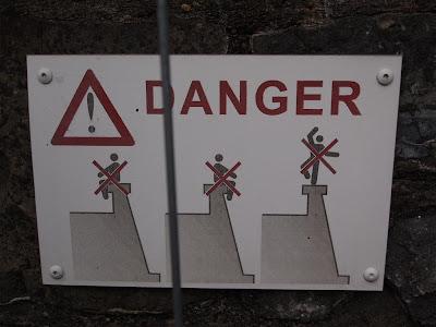 No jugar sobre la murallas (Bayona)