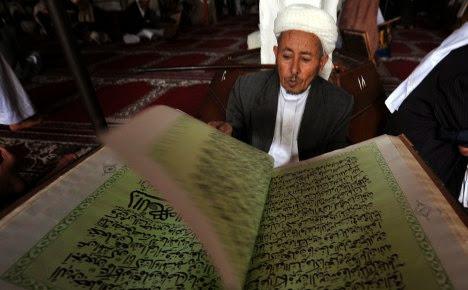 Bacalah  Al Quran, pasti hidup aka lebih tenang dan aman..insyaallah..yastroonline