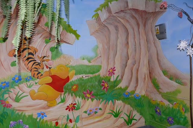 Malowanie sali przedszkolnej, aranżacja ściany w przedszkolnym korytażu