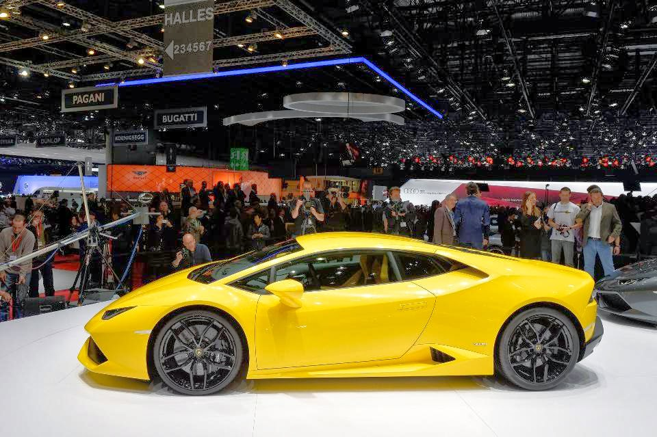 discover the new supercar lamborghini hurac n lp 610 4 geneva 2014 video photos garage car. Black Bedroom Furniture Sets. Home Design Ideas