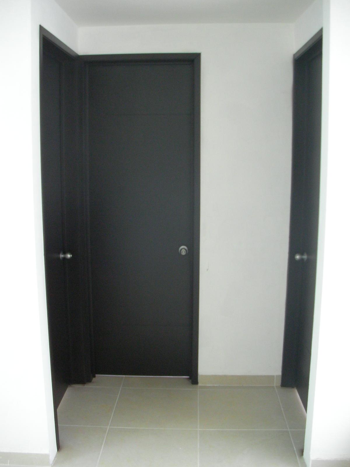 Closets y cocinas integrales residencial puertas for Puertas para recamara economicas