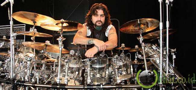 Singgahnya Mike Portnoy