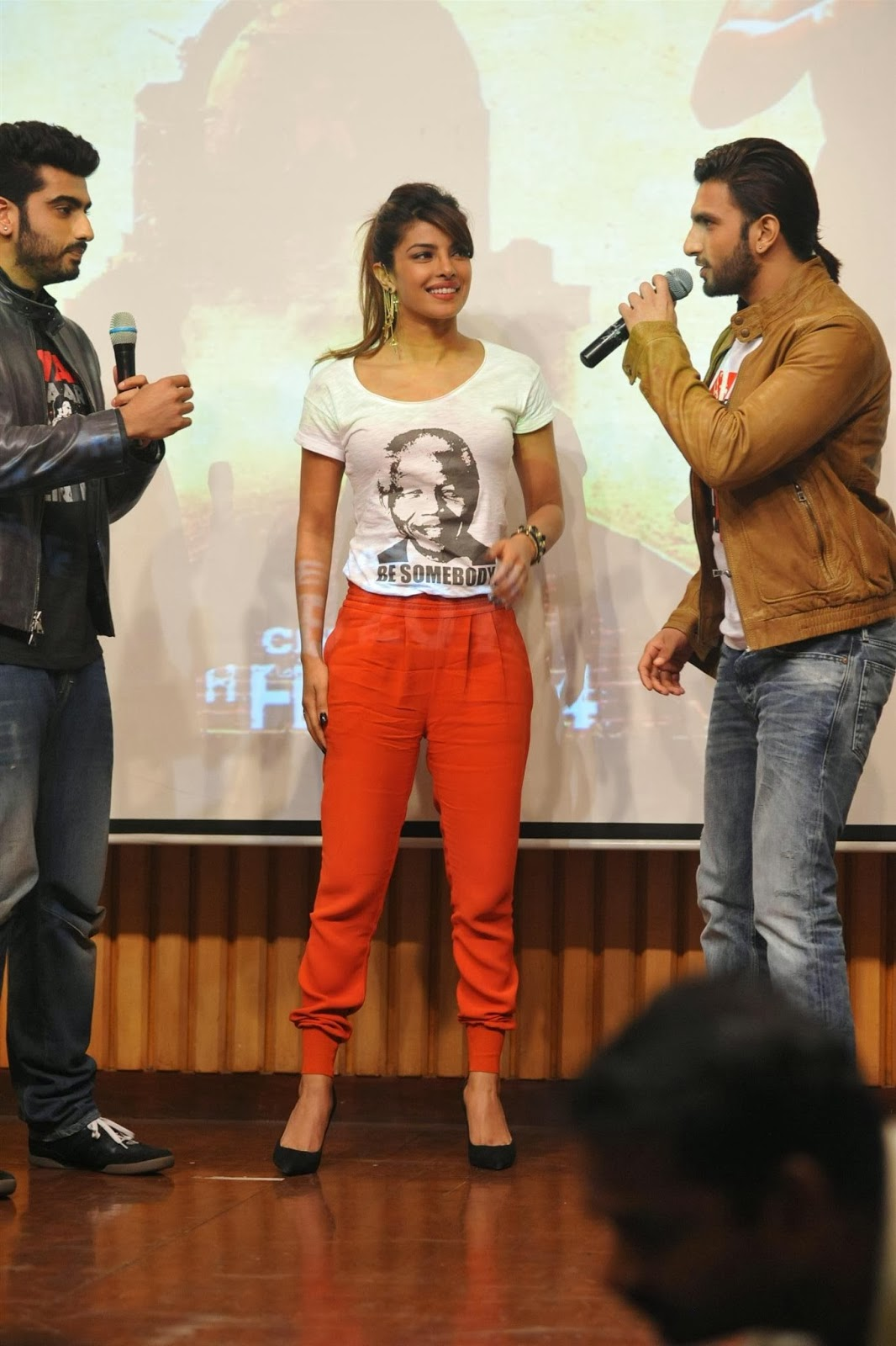 http://3.bp.blogspot.com/-6Xer41eVc64/UvtQEwEx6II/AAAAAAAAkP8/e8ouM3QPSOw/s1600/Gunday+Movie+Team+At+Welingkar+Institute.JPG