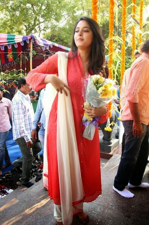 Anushka Shetty latest hot photos at Inji Iduppazhagi Movie Launch