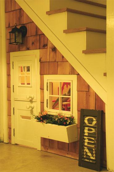 Ecopinturas fernandez 15 trucos para ganar espacio for Sofa bajo escalera