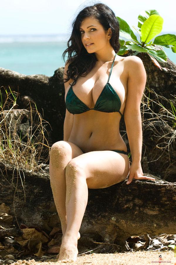 Denise Milani Denise Milani In A Green Bikini With Orange