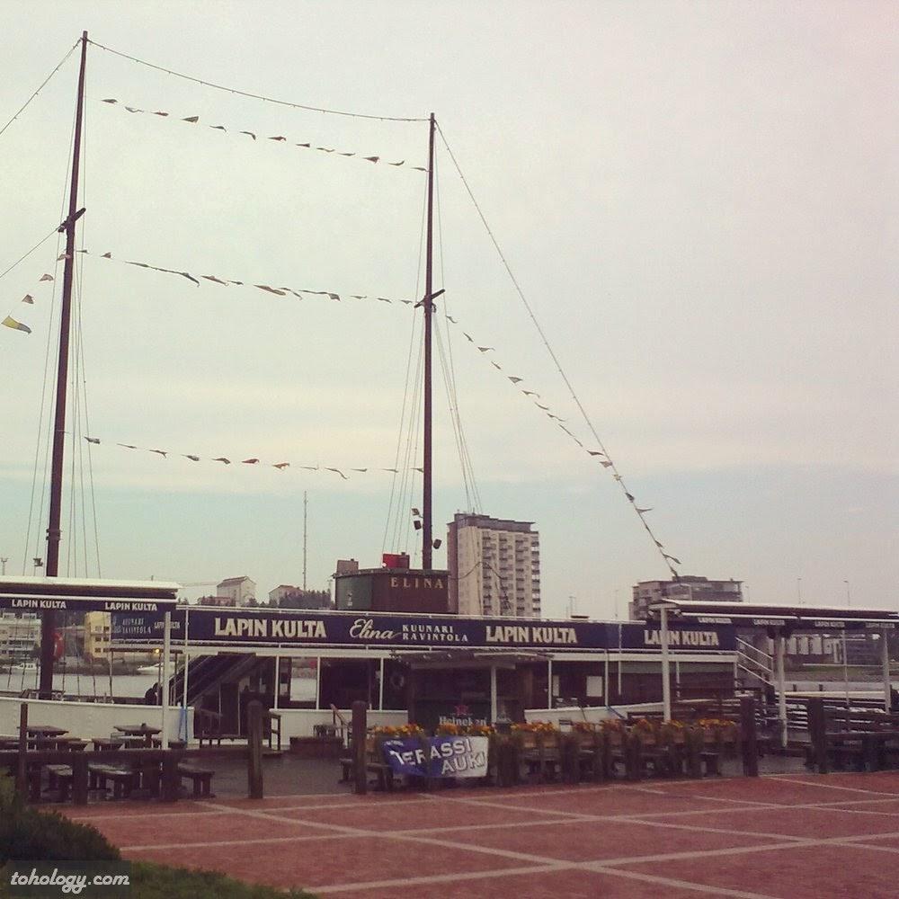 Lapin-Kulta boat bar