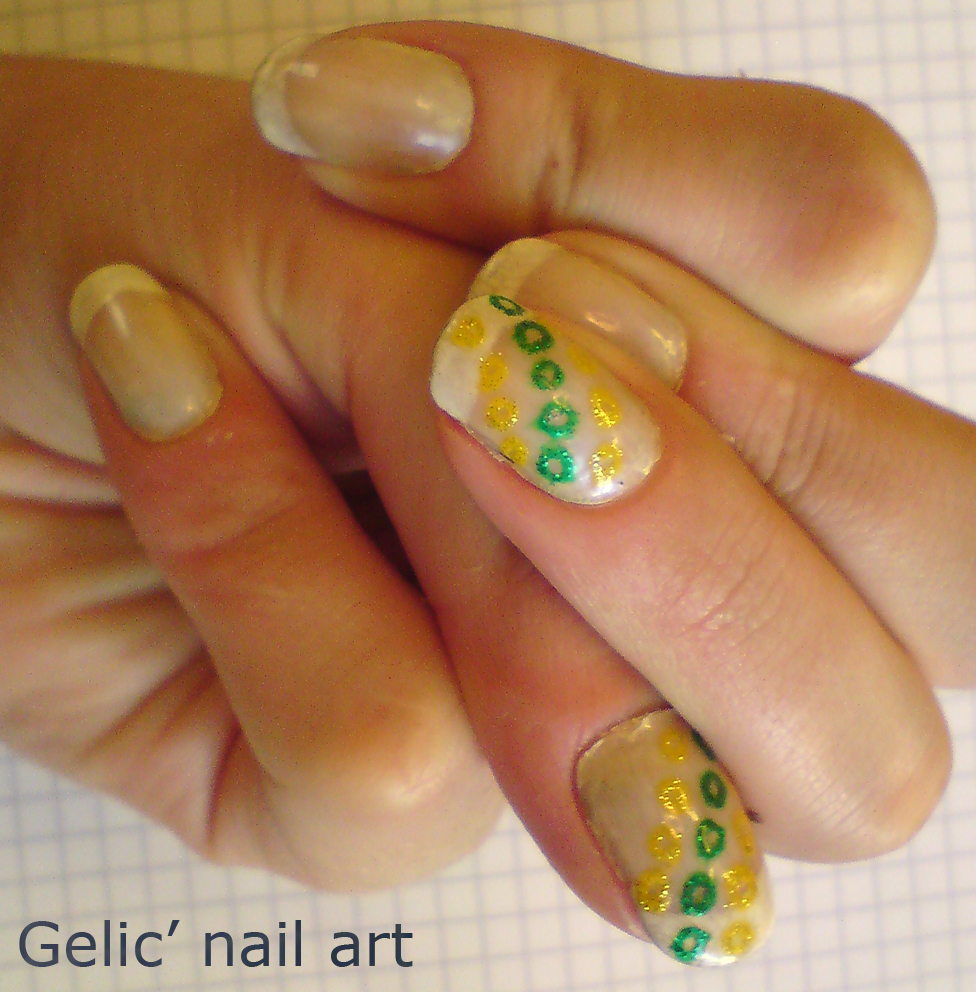 gelic 39 nail art french mani with round shapes in yellow and green. Black Bedroom Furniture Sets. Home Design Ideas