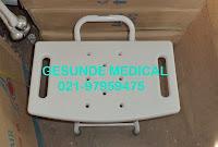 alat untuk mandi pasien