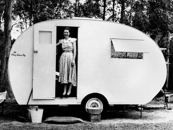Original Australian Vintage Caravans A Viscount And A Trailezy