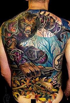 Imagens de tatuagens de lobo nas costas