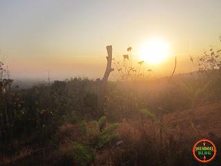 Matahari senja terlihat indah apabila dinikmati dari puncak gunung Bancak Magetan.
