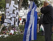 Dios , y .Grecia ya me traicionaron !!..En memoria de Dimitris Christoulas,!!