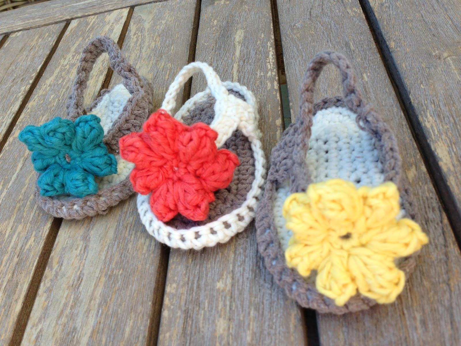 Annoos Crochet World Baby Flip Flops Free Pattern