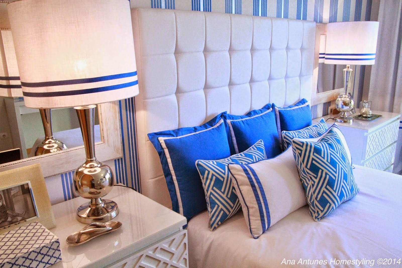 Decoration and ideas cobalt blue bedroom for Cobalt blue bedroom ideas