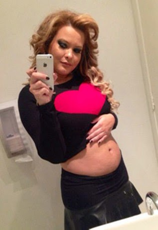 Geisy Arruda mostra barriga de 10 semanas de gestação