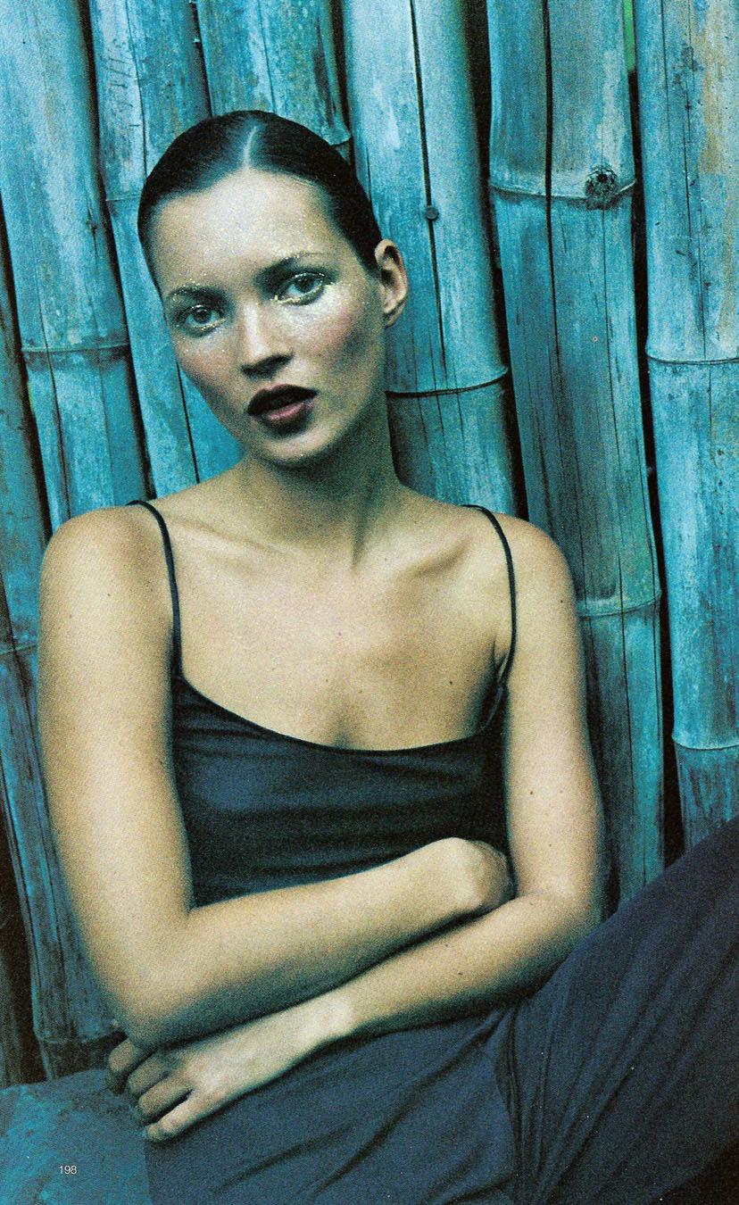 Kate Moss in Harpers's Bazaar US November 1997 (photography: Mario Sorrenti)