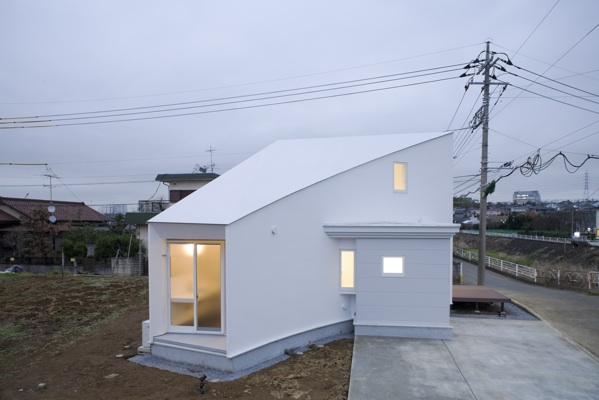 We love japan house desings japanese house architecture for Small japanese house design in tokyo by architect yasuhiro yamashita