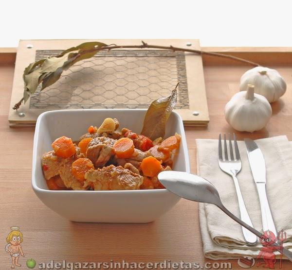 Receta saludable y fácil de Estofado de pavo bajo en calorías, apto para diabéticos y bajo en colesterol.