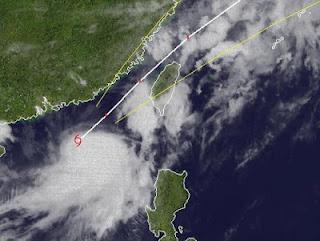 Tropischer Sturm TALIM aktuell: Hong Kong deaktiviert Sturmwarnungen, jetzt Taiwan im Visier, Talim, Hongkong, Taiwan, Taifunsaison 2012, Satellitenbild Satellitenbilder, Radar Doppler Radar, aktuell, Vorhersage Forecast Prognose, Sturmwarnung, 2012, Juni,
