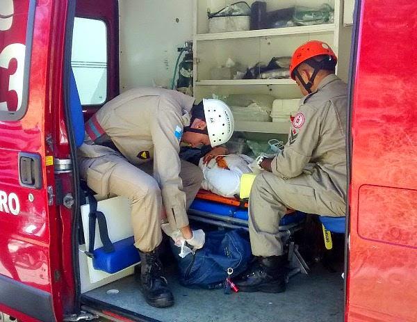 Estrada de Guriri em Cabo Frio acidente de moto