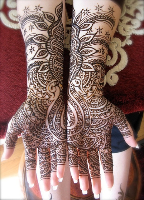 Full Arm Mehndi : Long frocks pakistani dresses mehndi designs