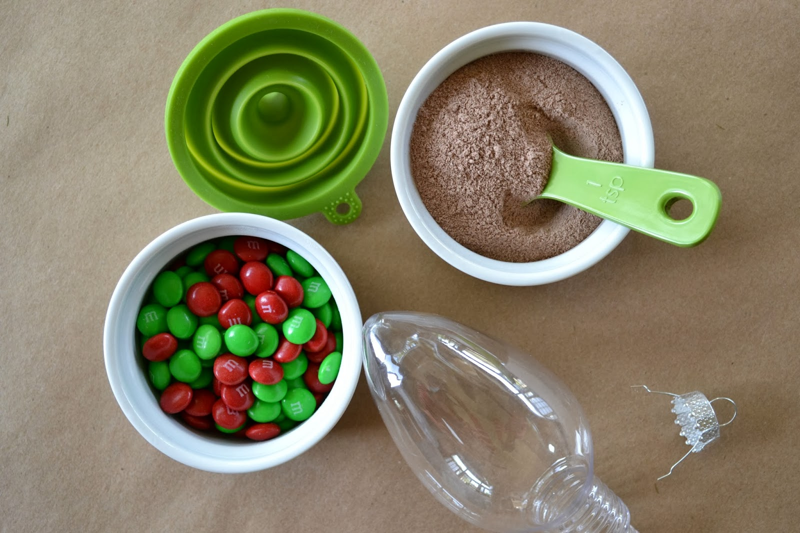 Mommy Testers: DIY Hot Chocolate Ornaments with M&M's
