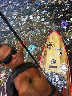 A realidade é que o litoral brasileiro está entupido de lixo