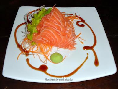 Barthô Temakeria: Sashimi de Salmão
