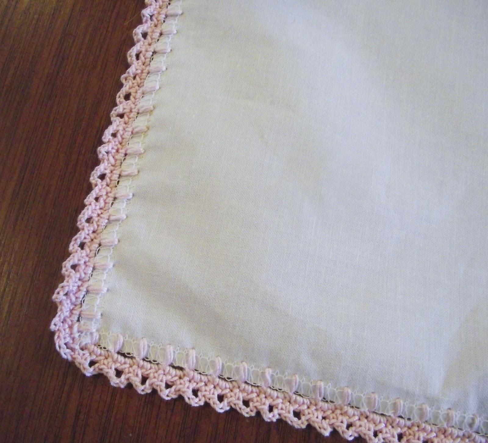 Simple Crochet Edging Patterns : Sara vs. Sarah: Fancy Crochet Edged Hankie - A Tutorial