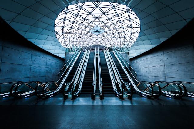 Triangeln subway station, Upper escalators