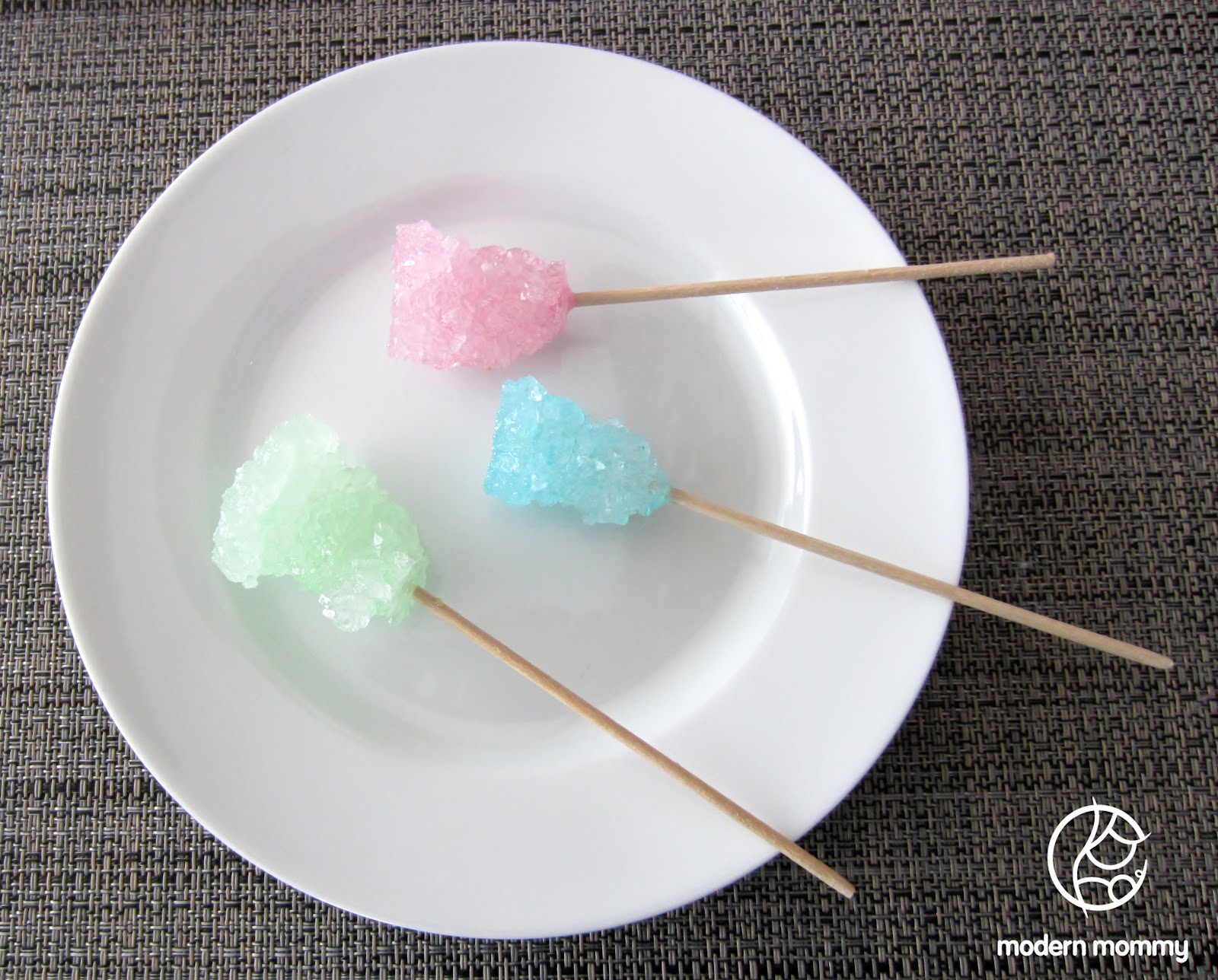 "making rock candy Homemade rock candy – sick science when you make this treat, you'll be jumping ""string-first"" into some serious chemistry that's hiding as candy."
