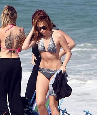 miley cyrus piernas bikini brasil 2011