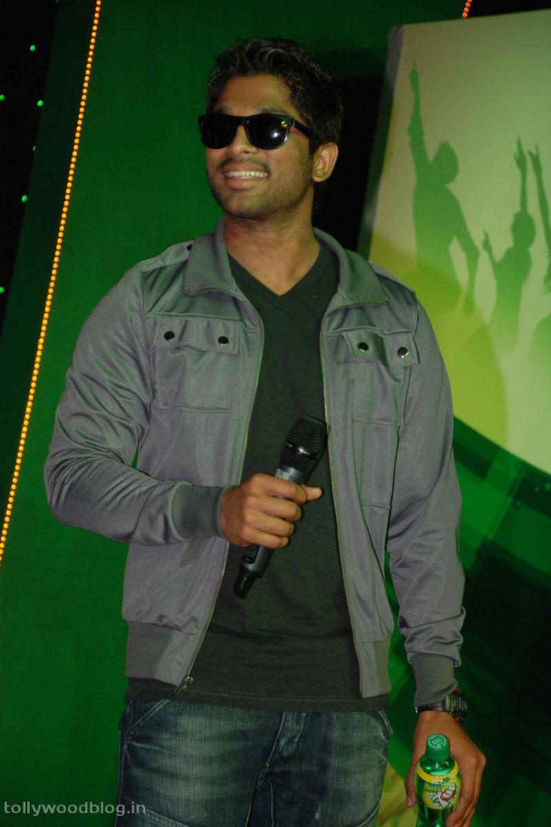 Stylish Star Allu Arjun at 7up Star Season 2 Finals