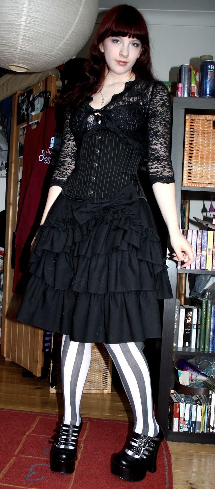 Graveyard Picnic OUTFIT Emilie Autumn