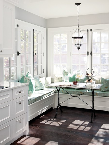 Breakfast_Nook_Bench_Seating http://www.cococozy.com/2012/11/breakfast-nook-look-built-in-banquette.html