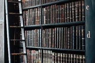 foto libri antichi in biblioteche