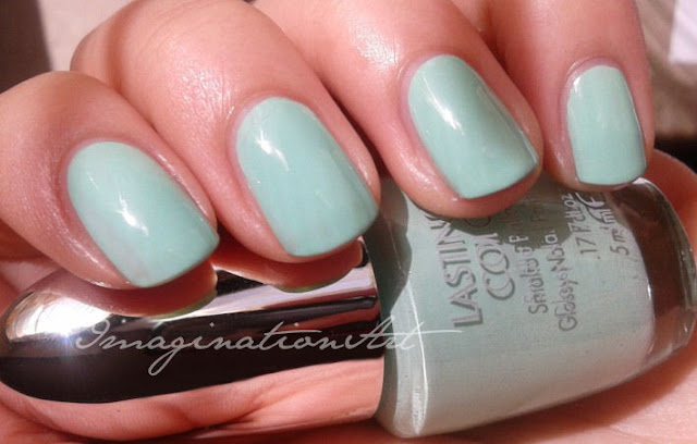 Kelly Green Pupa n°724 jeans 'n roses swatch smalto nail lacquer polish unghie