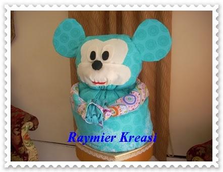 Raymier Kreasi Seserahan Bed Cover Bentuk Mickey Mouse