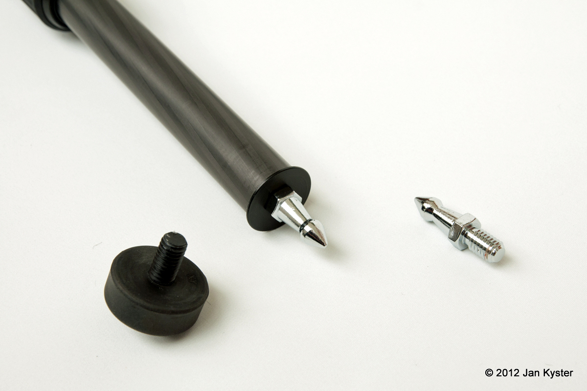 Benro C3770T CF Tripod - leg rubber foot vs steel spike