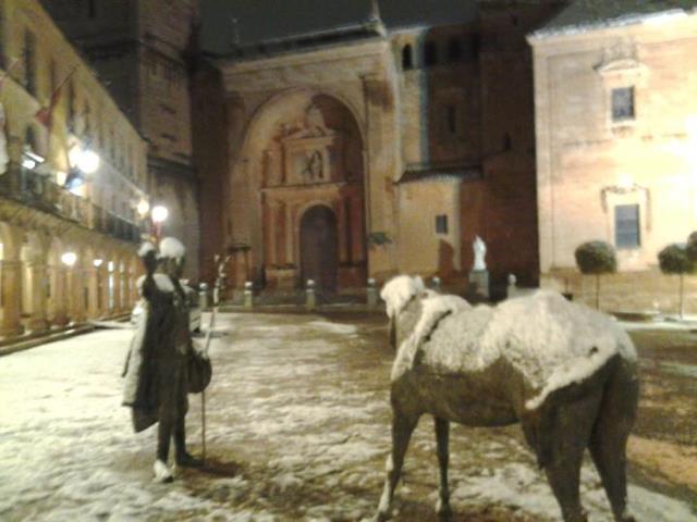 Plaza Mayor, Don Quijote, Rocinante, Cervantes, Villanueva de los infantes, campo de montiel, Ciudad Real, Castilla la mancha