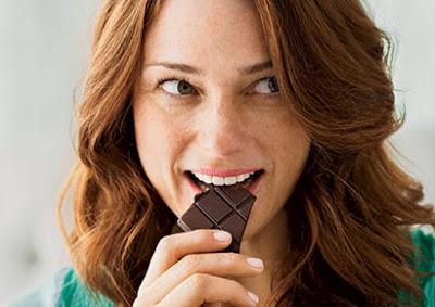 Strażnicy Wagi nie eliminują czekolady z diety