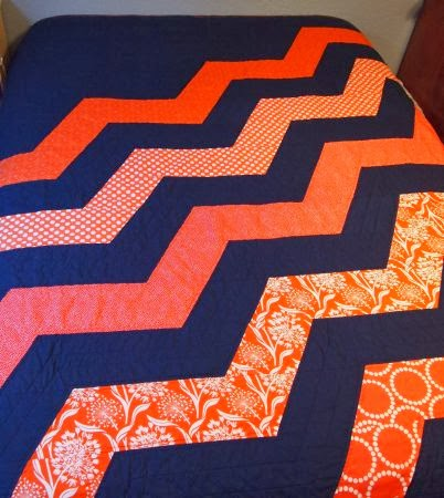 52 Quilts in 52 Weeks: Fast Friday Finish : chicago bears quilt - Adamdwight.com