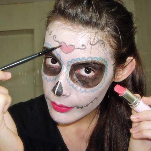 truco de maquillaje para disfraz facil de calavera mexicana